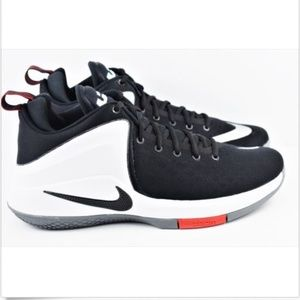 Nike Zoom Lebron Witness Sze 11.5 Basketball Shoes 287f8f49c